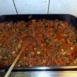 de saus voor de macaroni